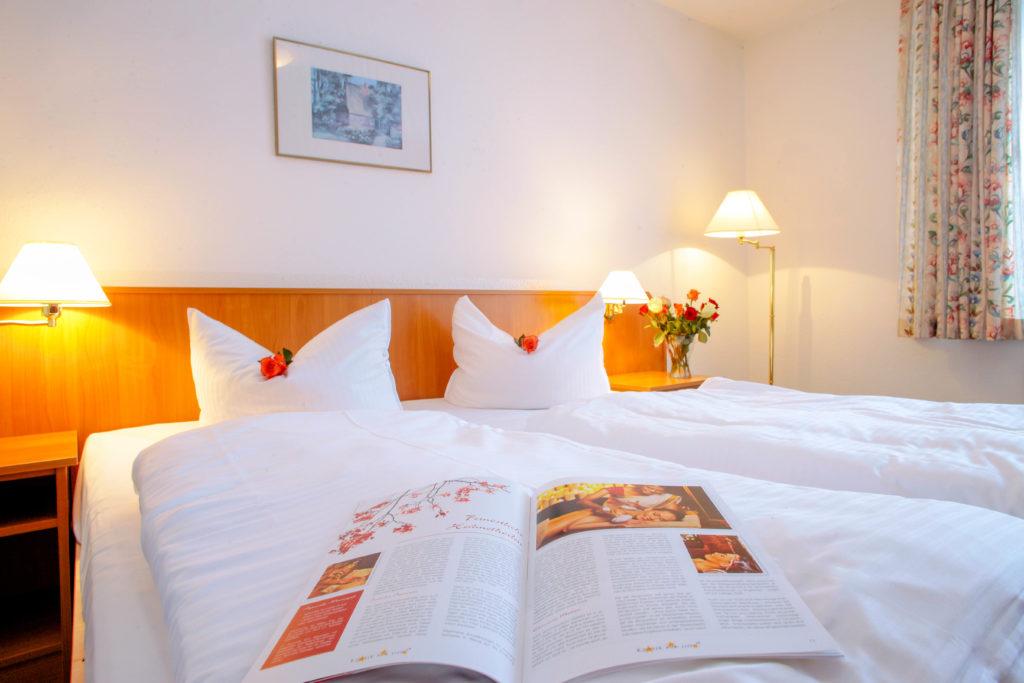 """Komfort-Doppelzimmer AKZENT Hotel """"Zur Grünen Eiche"""" Behringen © c. huhnke"""