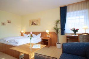"""Doppelzimmer im AKZENT Hotel """"Zur Grünen Eiche"""" Behringen"""