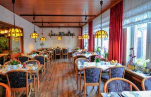 """Restaurant-Stube im AKZENT Hotel """"Zur Grünen Eiche"""" Behringen"""