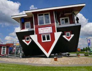 Hotel Grüne Eiche Behringen - Freizeit - Das verrückte Haus